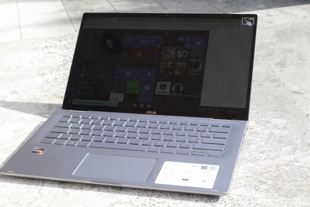 màn hình ASUS ZenBook Flip 14 UM462DA